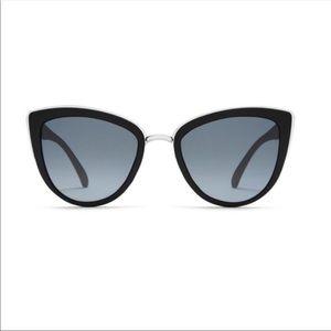 NWT Quay Australia My Girl sunglasses